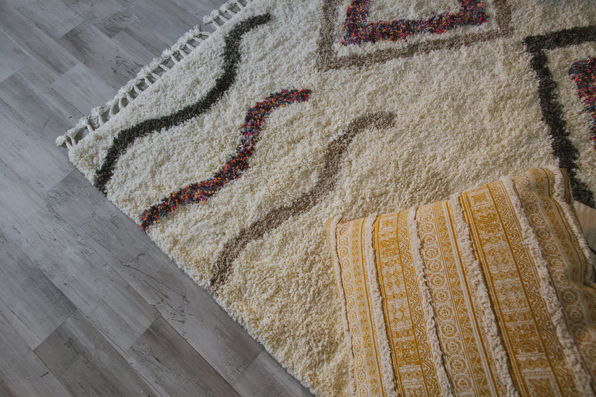 This rug is so so soft!