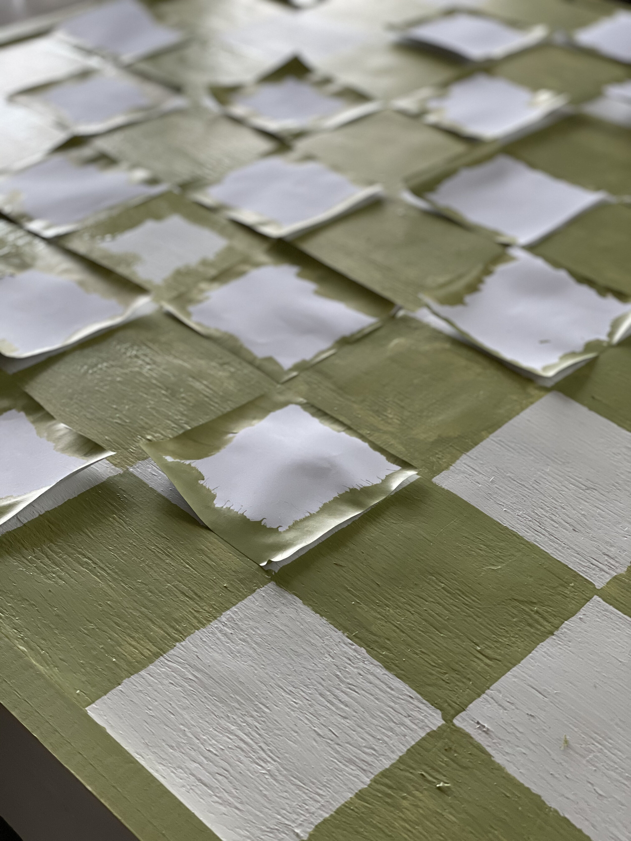 Using post its to paint checkerboard pattern