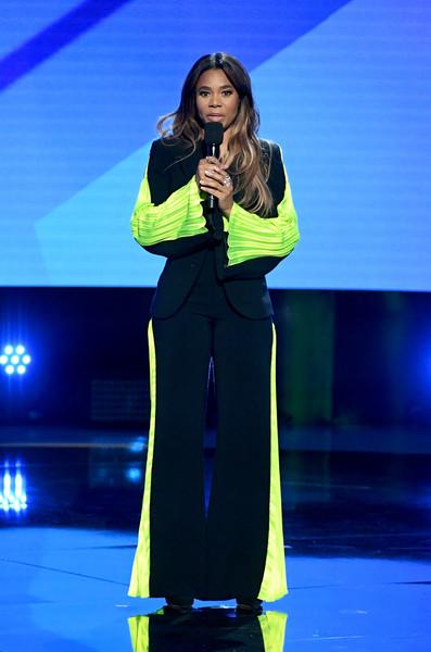 Regina+Hall+2019+BET+Awards+Show+8OFI_cBMf11l.jpg