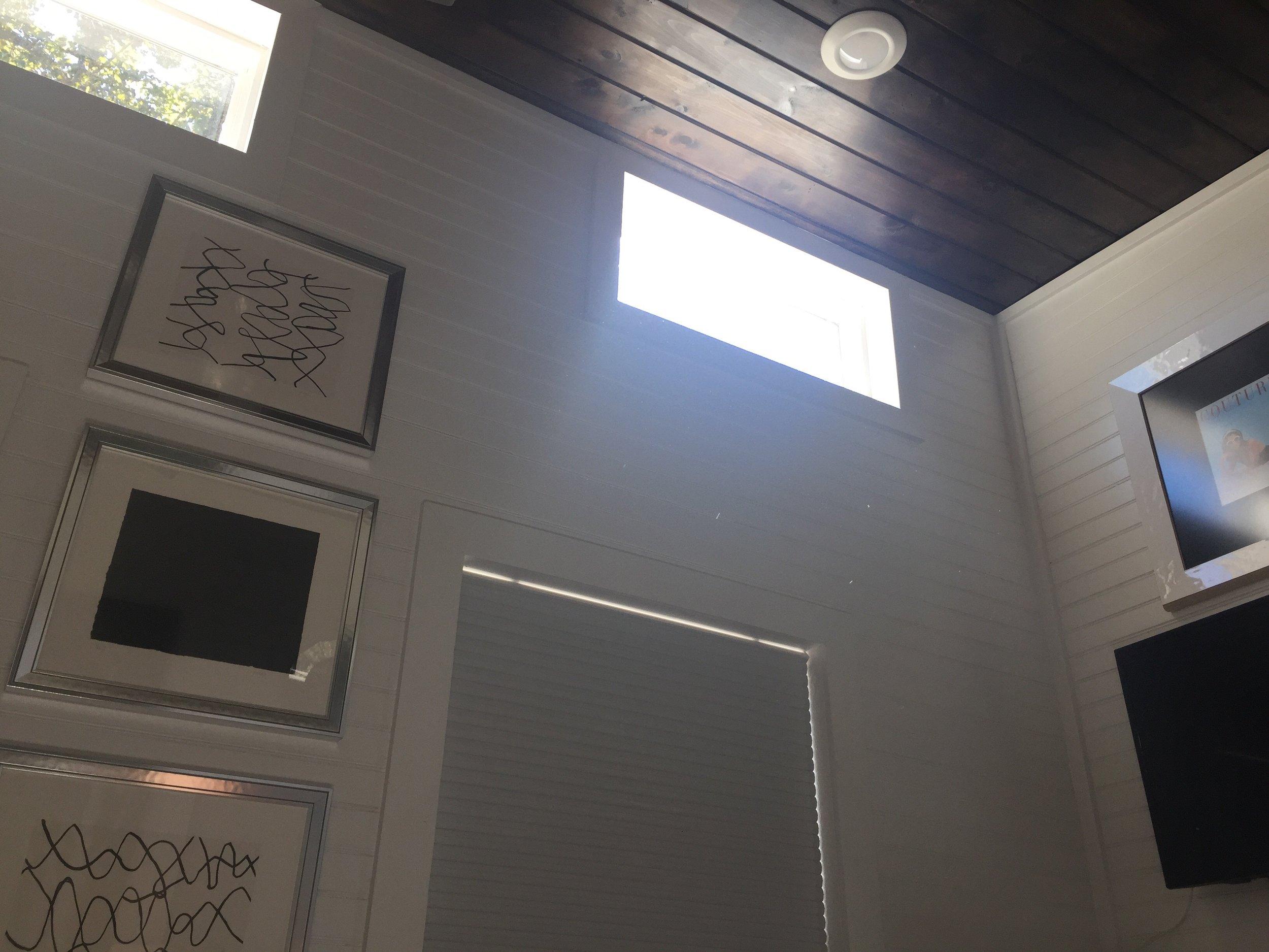 High ceilings make 7.5 feet wide feel a little less cramped