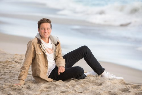 High school senior pictures for guys