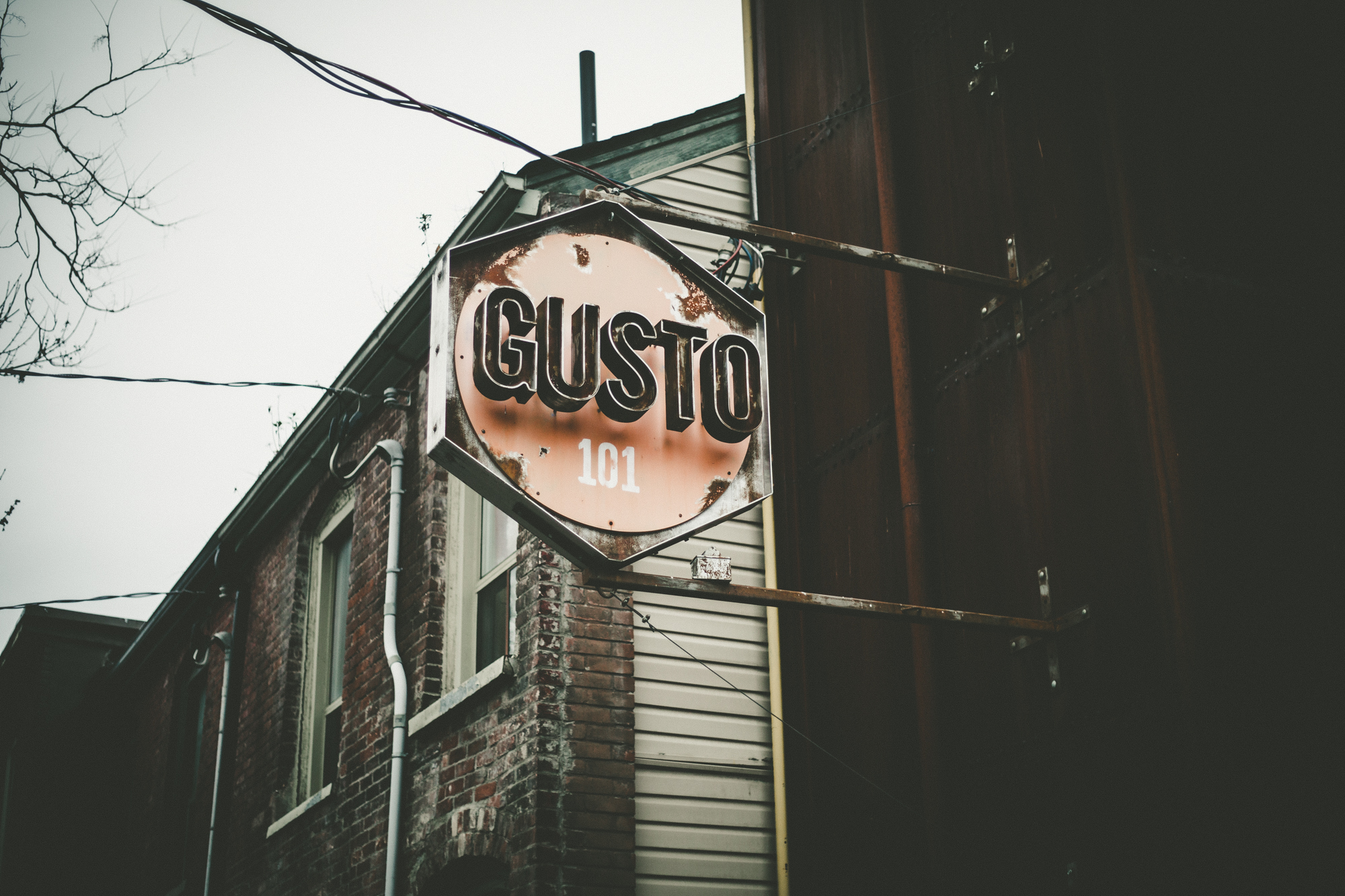 Gusto101-2 2.jpg