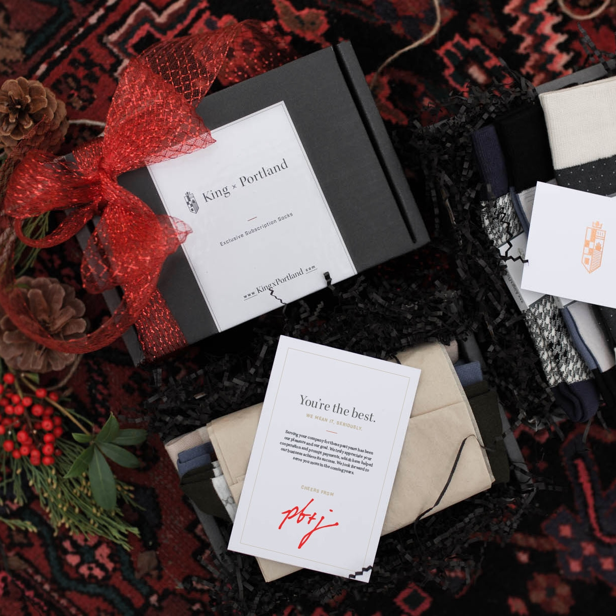 - SIGNATURE GIFT BOX10-20 boxes - $50/box20-40 boxes - $45/box41+boxes - $40/boxWHAT'S INCLUDEDThree pairs of stylish socks—seasonally curated.Elegant gift box and gift wrapping.Custom branded message card with a personalized message from you.We look after everything from order to tracked shipping.