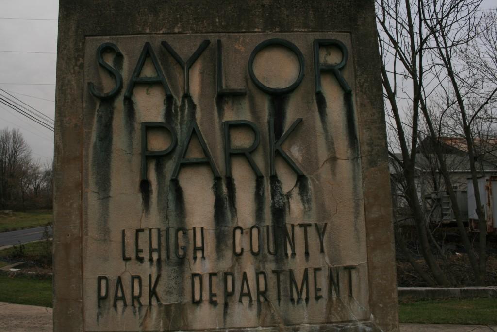 saylor-park-entrance
