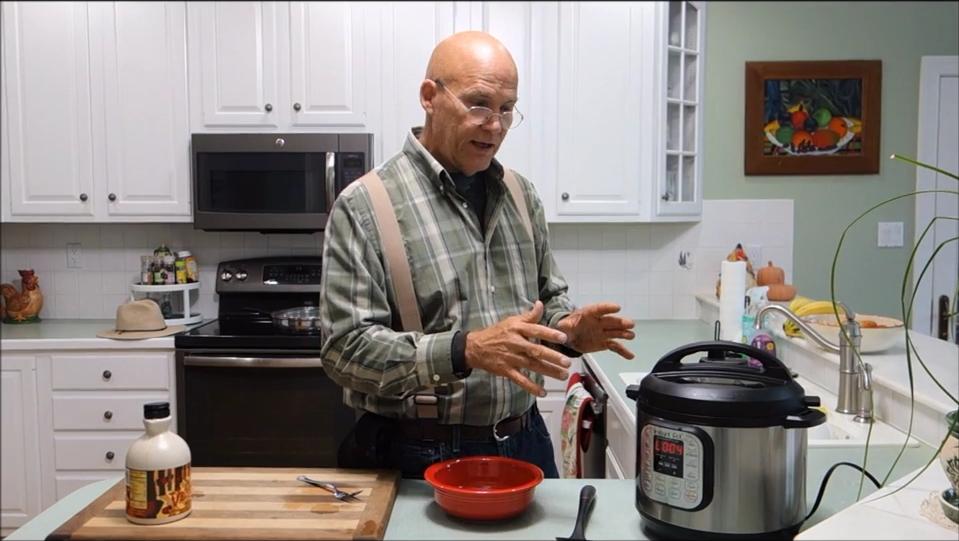instant-pot-pressure-cooker-apple-crisp-recipe