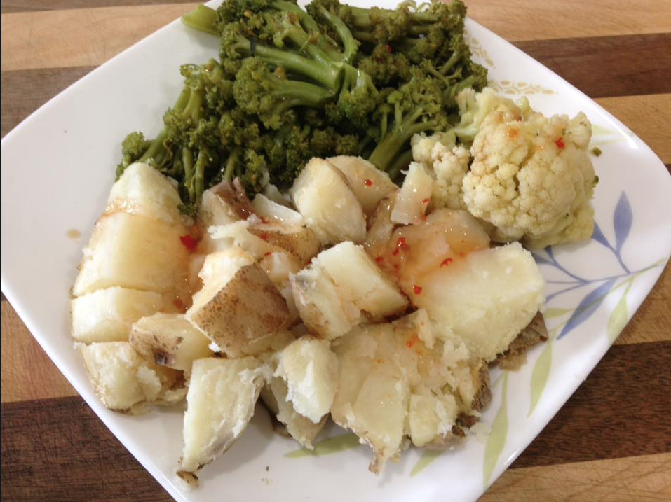 broccoli-cauliflower-potato-dinner-plate