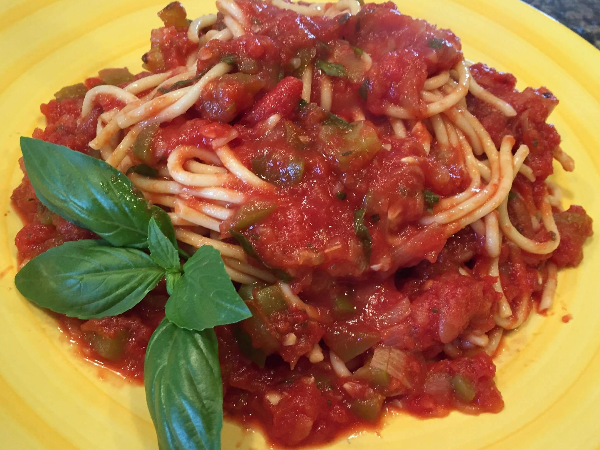 hearty-vegetable-vegan-spaghetti-sauce-topping