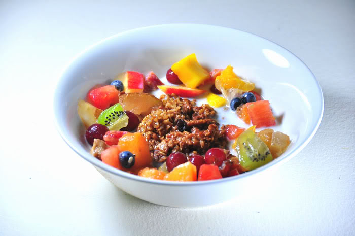 oatmeal-with-fruit-sweetener-natural-substitute-for-sugar