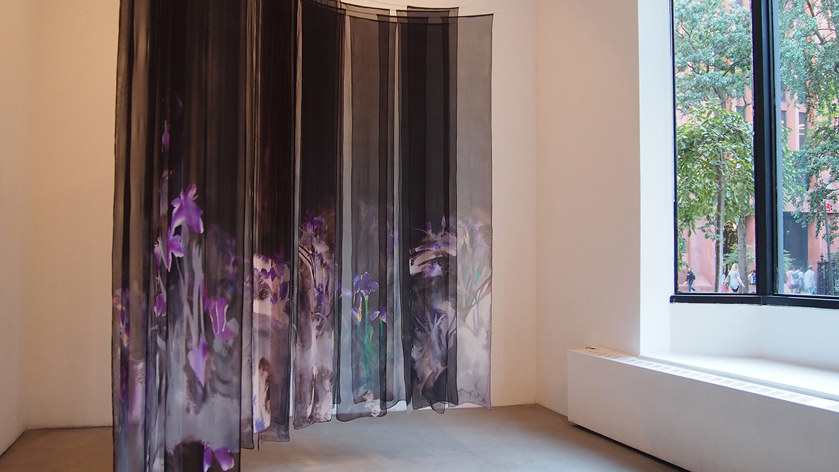 En   hand-painted silk  2015