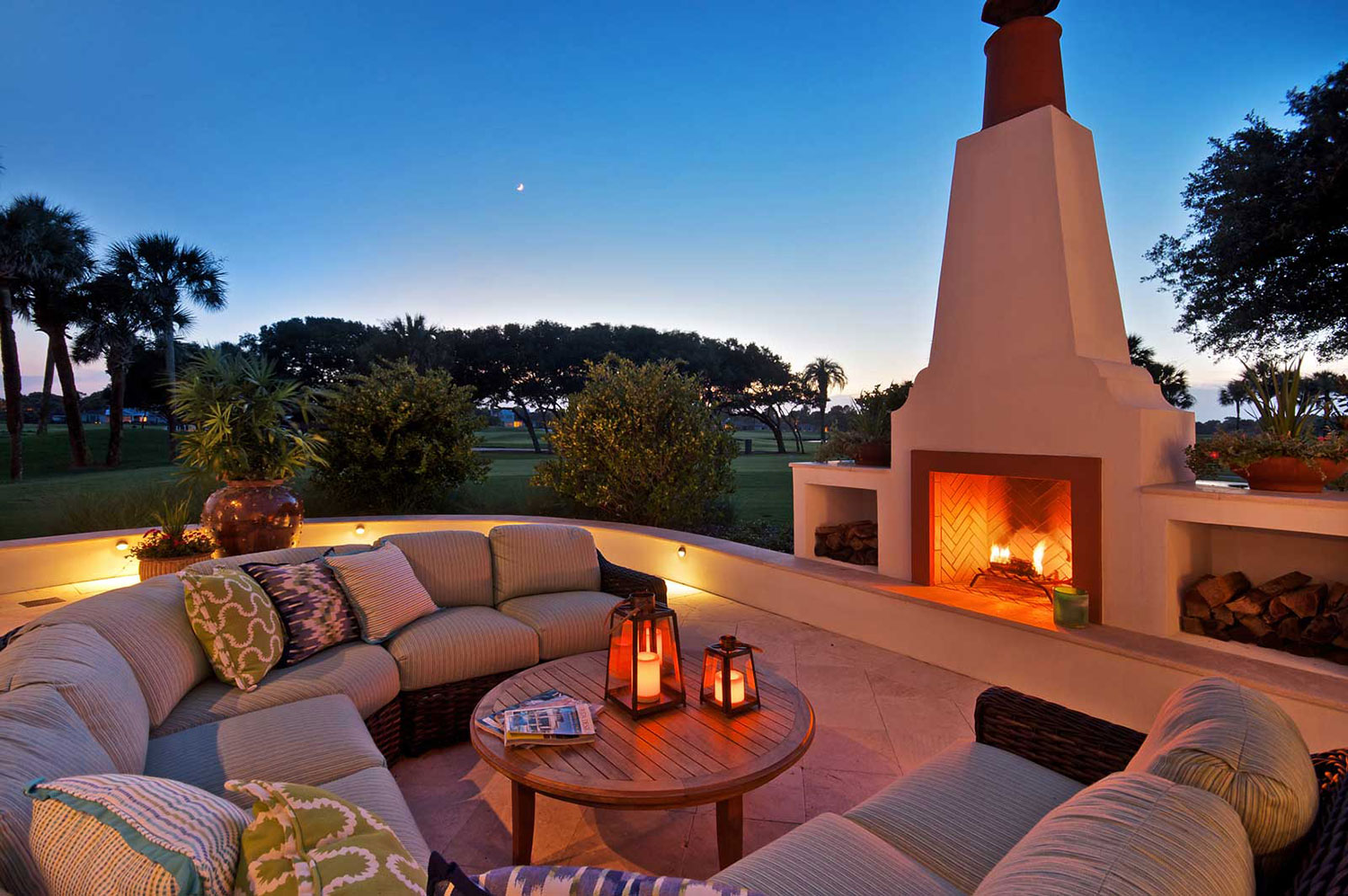 Outdoor-Fireplace_DelMar.jpg