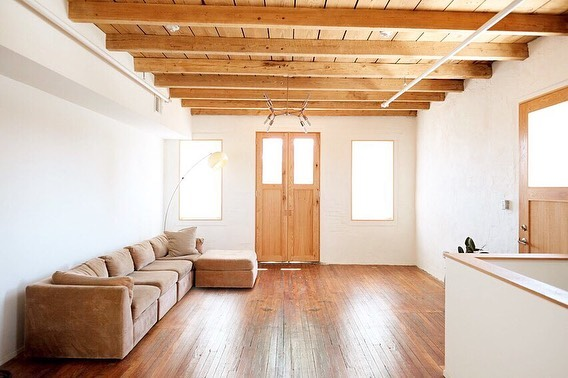 PHILLY LOFT FOR RENT: 2bd/1ba recently renovated second floor loft apt 1,200sqft. Located in historic Port Richmond on quiet residential street. Lots of windows, skylights, new appliances, washer/dryer on site, central a/c. Small pets welcome. $1,675/mo yr lease. First, last, security deposit. Move in Nov 1st ✨ DM for details 🙏 PS - so many good woodwork details by @fire_onthe_mesa