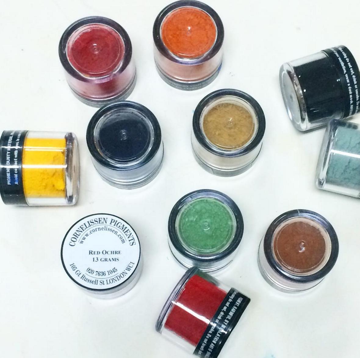 colour pigments ألوان على شكل بودر