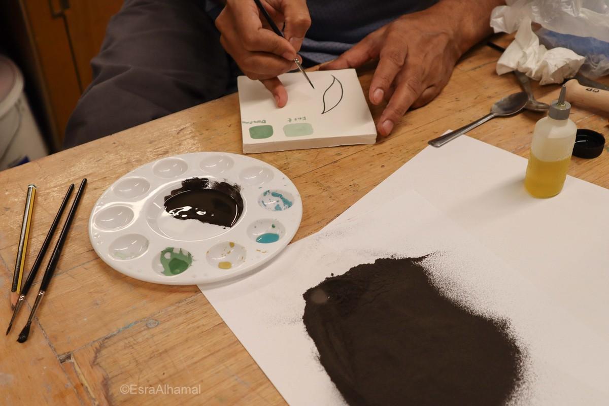 Using Black Outline for Islamic tiles