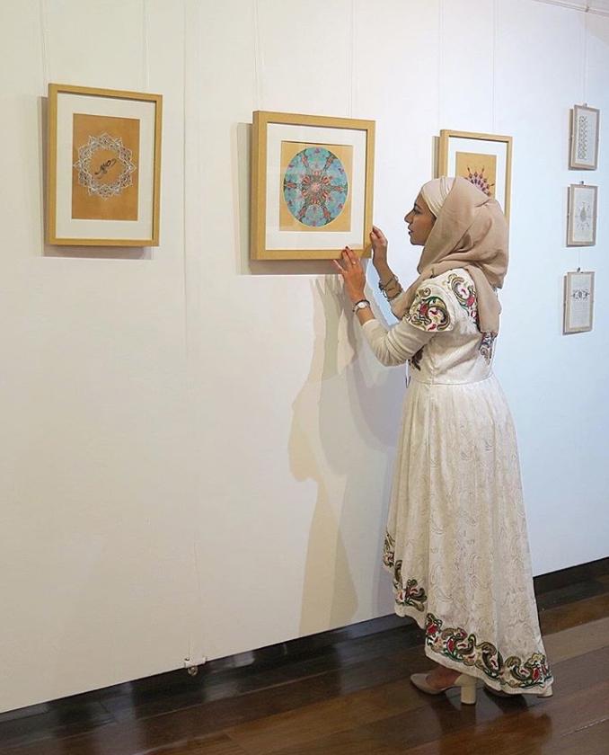 Islamic Artist Esra Alhamal