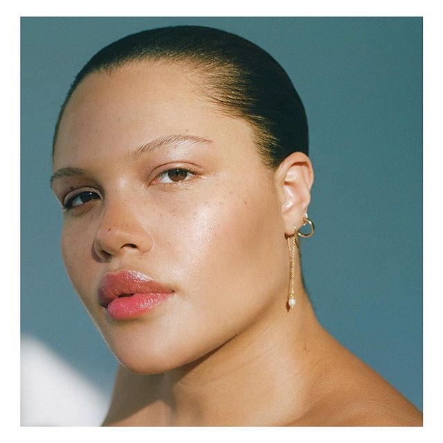 Throwback to @alvaclaire for @thecut 💎 Makeup @chiaolihsu  Hair @system7hide  Photo Assists @mcmattcoffey @jingyulin_  Tech @_____micko  Styling @doraemonkey  Beauty Director @kathleenhou  Senior Photo Editor @lradel  #filmisnotdead #skin #ishootfilm