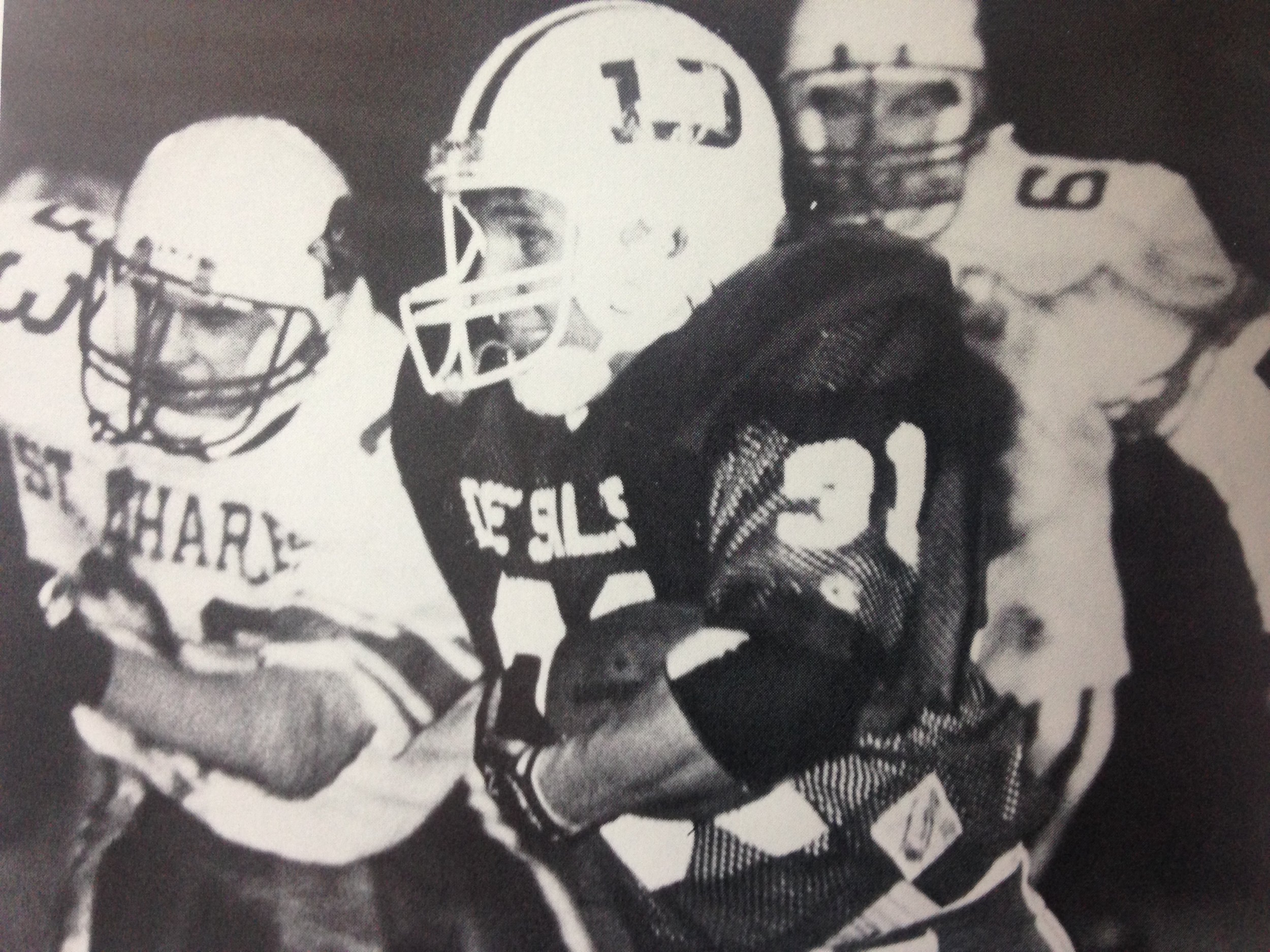 Todd DeVault (31) with the ball against the Cardinals