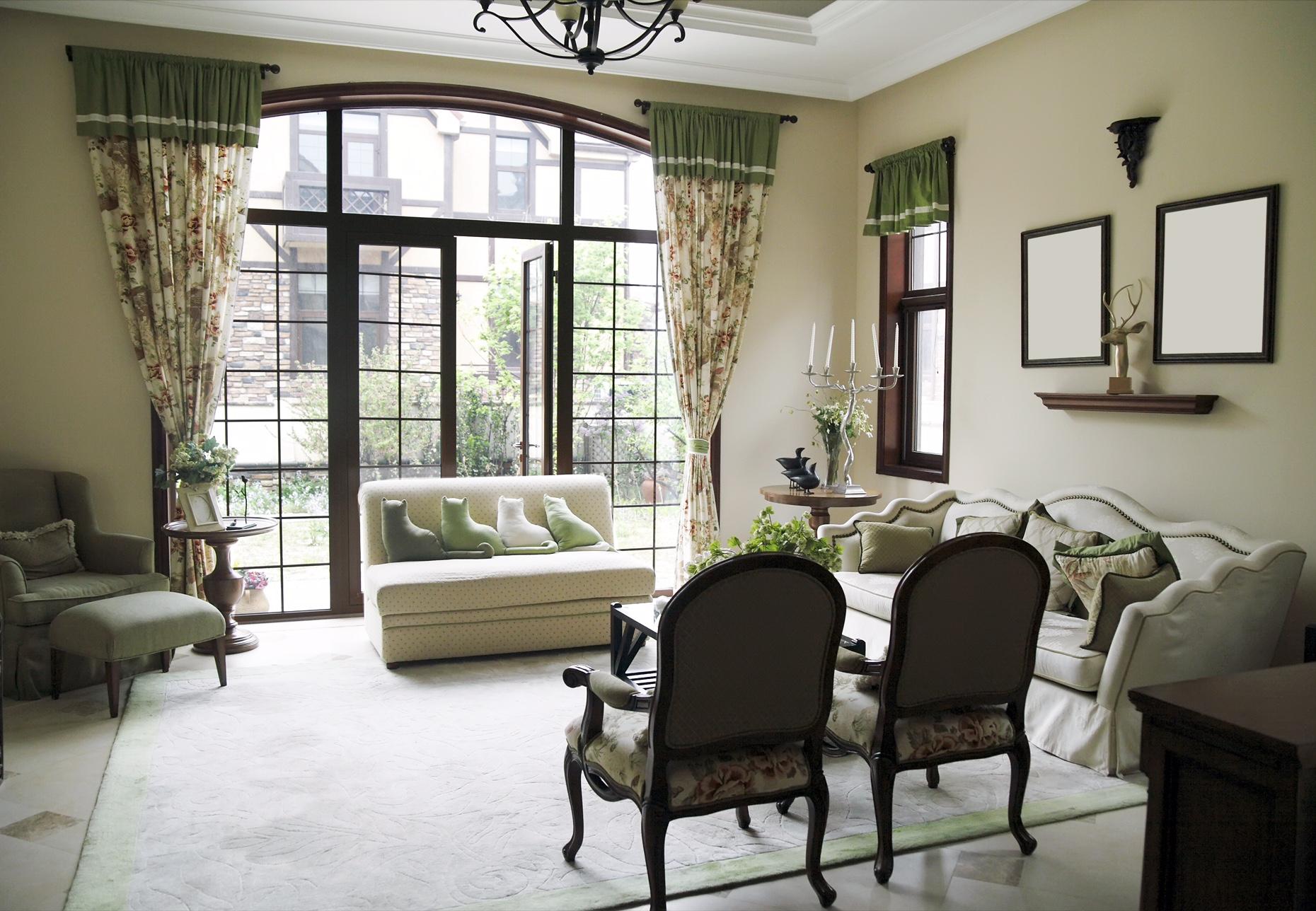 Window Treatment and Living Room Interior Design