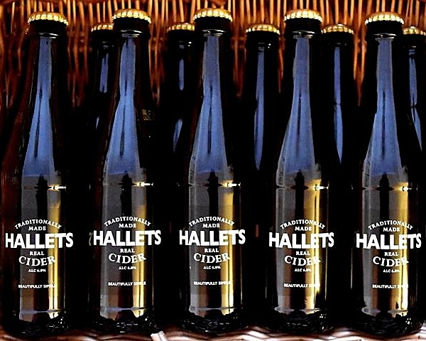 Hallets-330ml-hamper-web.jpg