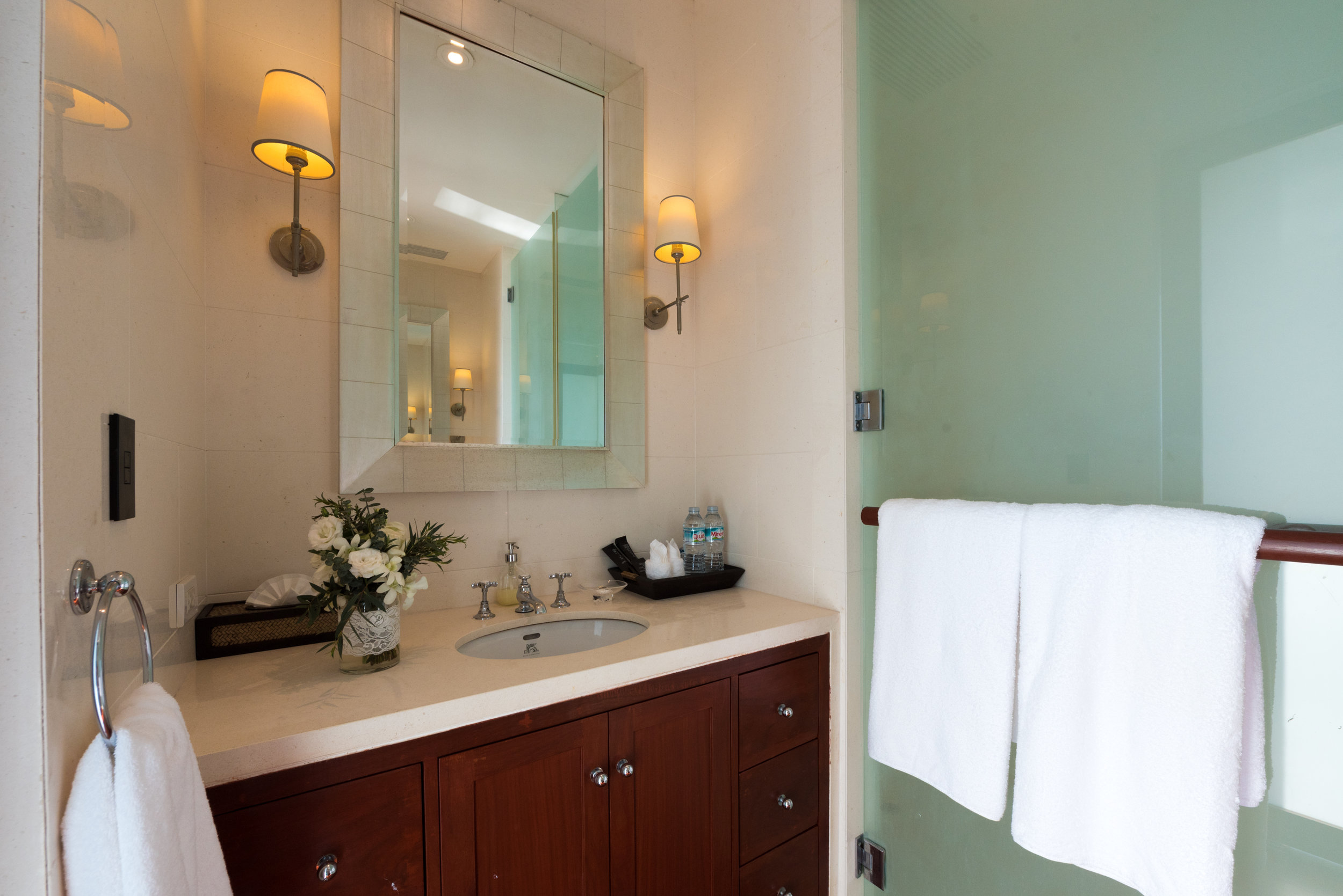 Guest Bathroom 2&3.jpg