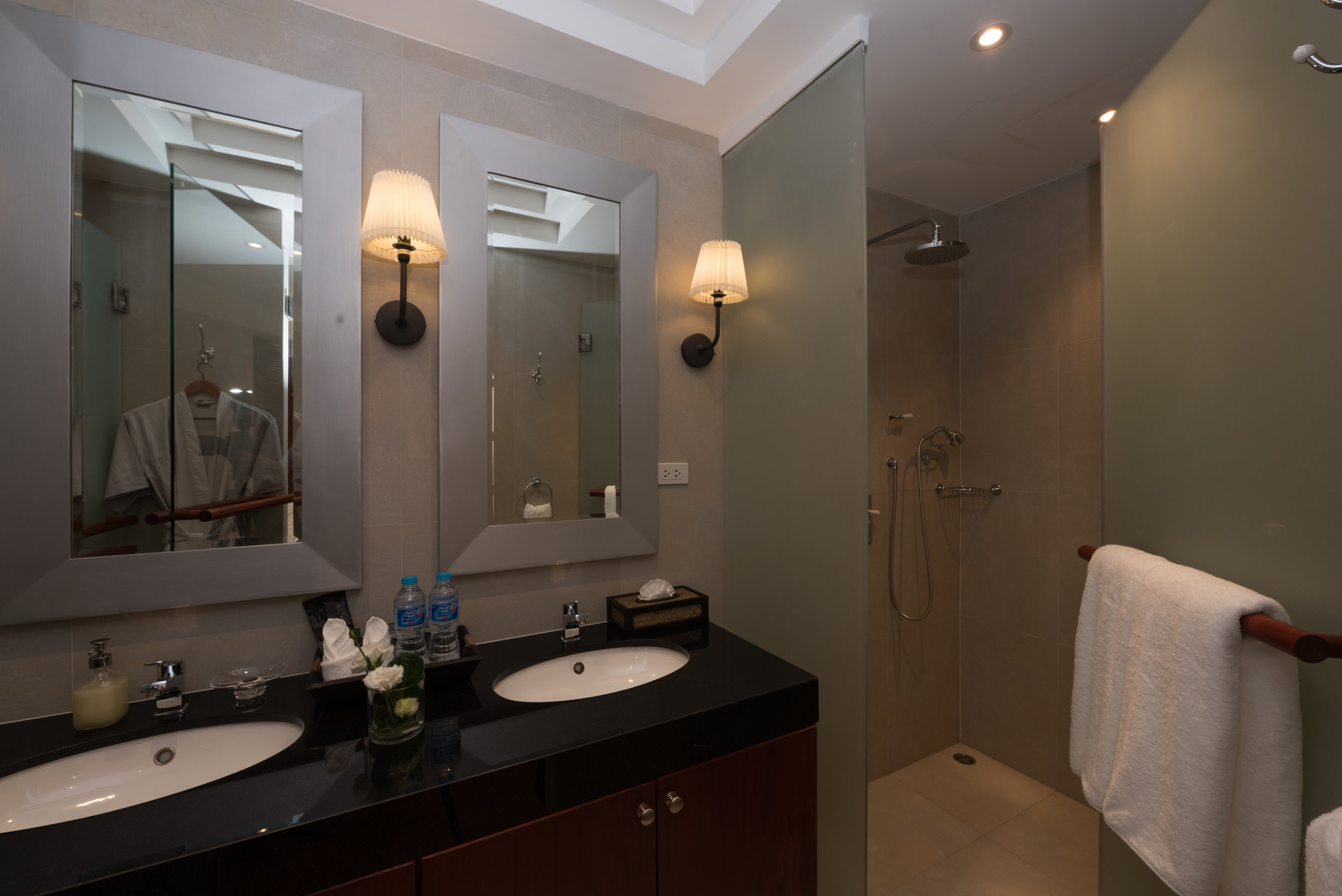 Guest Bathroom 5.jpg