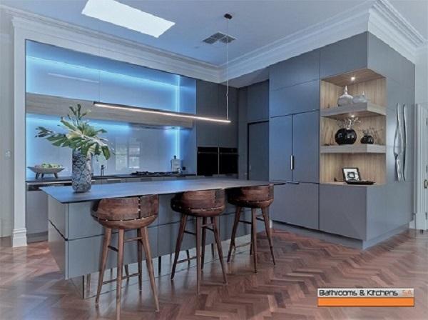 Holmes Kitchen 004.jpg