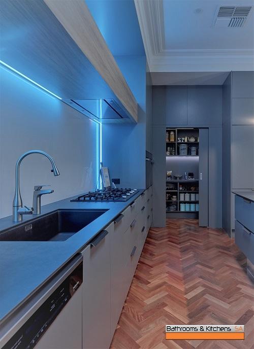 Holmes Kitchen 006.jpg