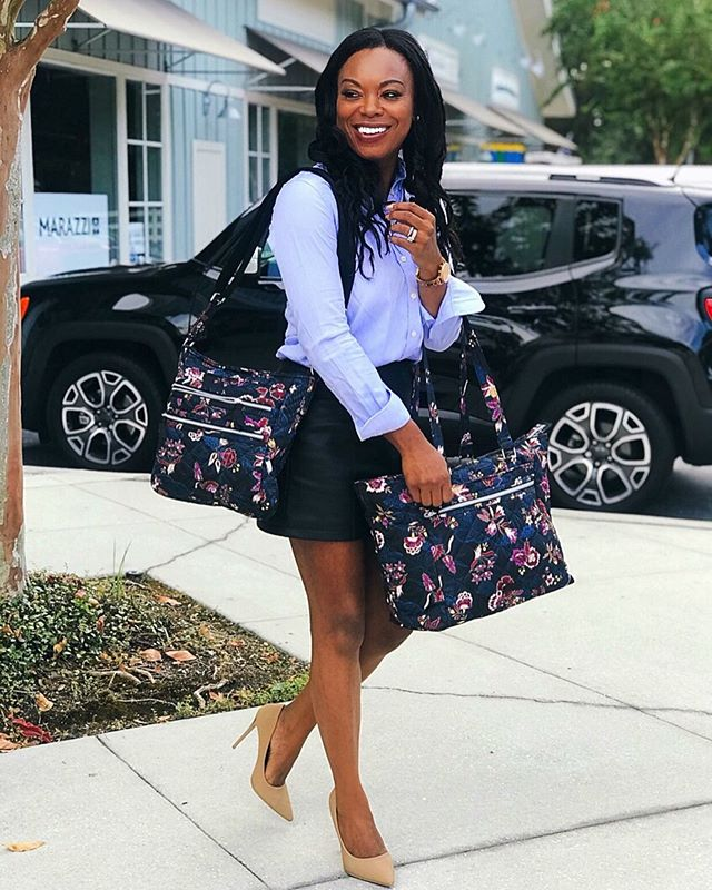 Happy day, lovelies! #AD Hope your work day is going well. I started my day with the confidence my work bags weren't going to fail me, not only because they are @VeraBradley, but also because they are from the new Performance Twill Collection. Performance Twill is a new fabric that not only looks sleek (perfect for your 9-5 grind), but also has special technology that makes it weather friendly for those times you're out of the office. My Triple Zip Hipster and Work Tote are crafted in this new, must-have, material which is water-repellent and perfect for the working woman's commute and beyond. These bags definitely make my work day a little more organized and a whole lot easier. Check out all of my favorites from the new collection by visiting the link in my bio. #verabradley #PerformanceTwill #NewFabric #workhard