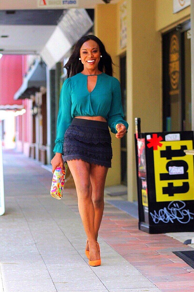 Short+Black+Skirt.jpg