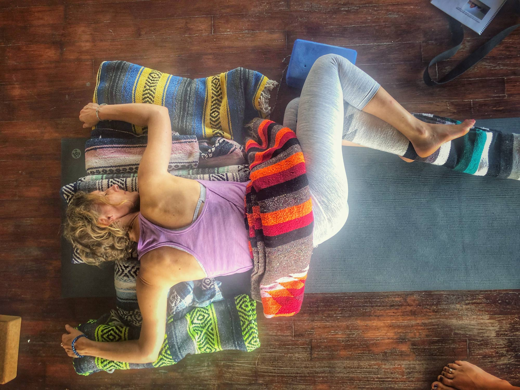 yin-yoga-teacher-soundhealing-training-los-angeles-10.jpg