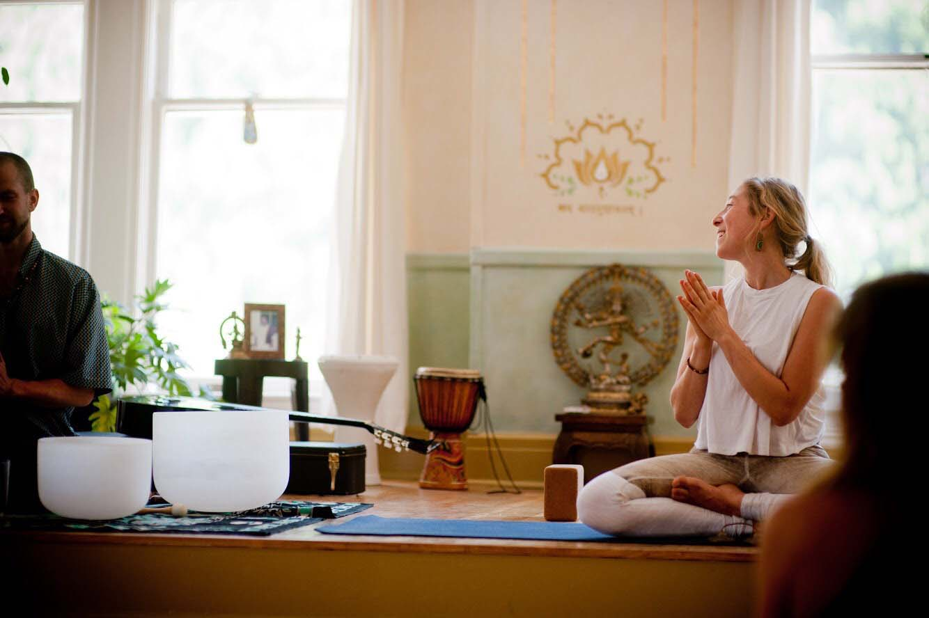 yin-yoga-teacher-soundhealing-training-los-angeles-13.jpg