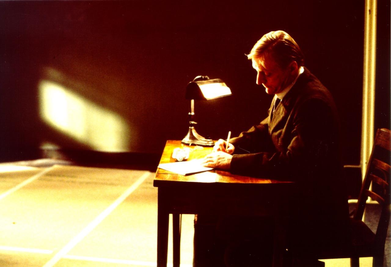 Ein Film von Romuald Karmakar, Deutschland 1995, 115 Min Dreharbeiten.Pierre Franckh (Stenograf) Photo © 1995 Pantera Film GmbH
