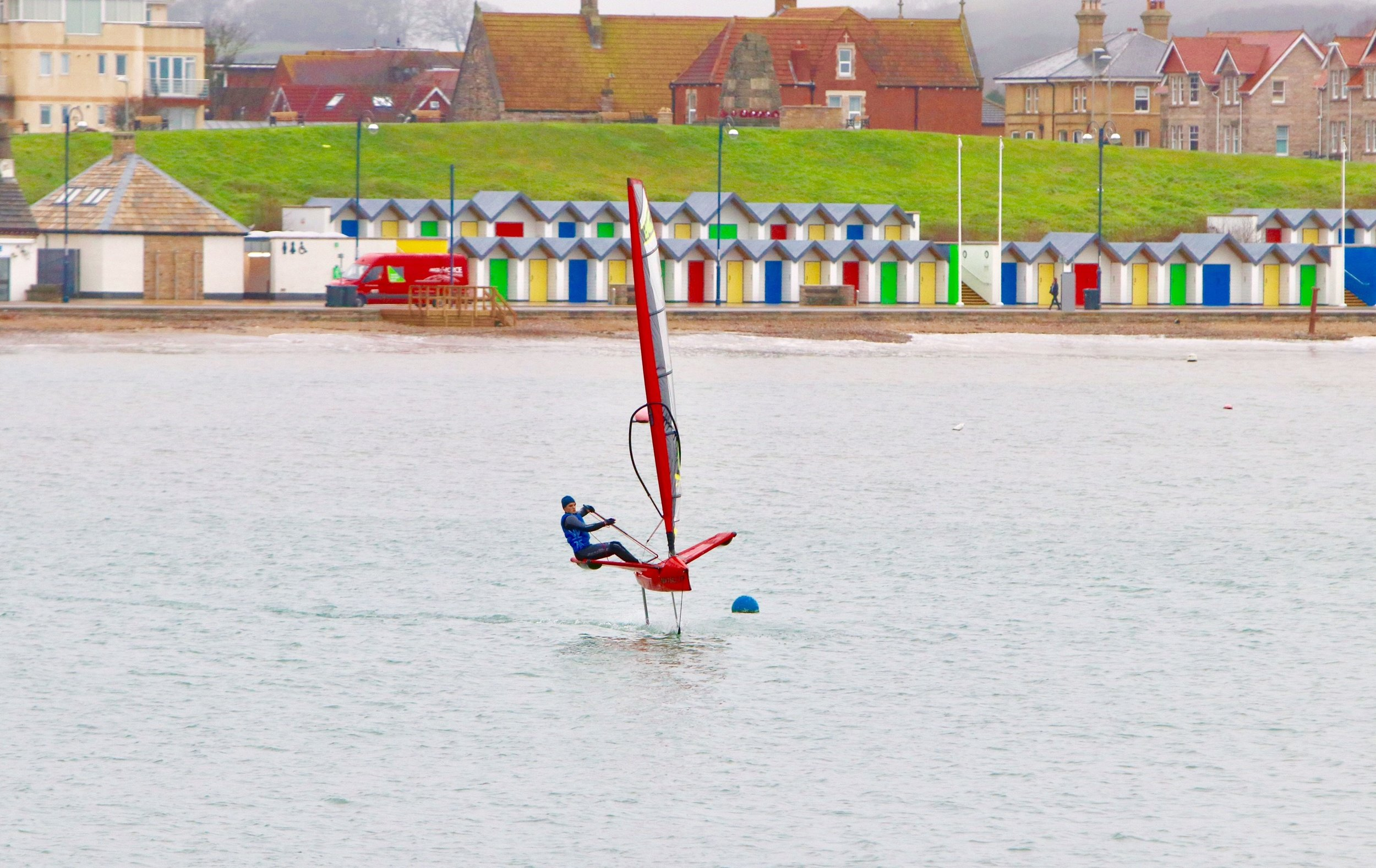 Flying above the surface of the water you go very fast which leads to some spectacular crashes!