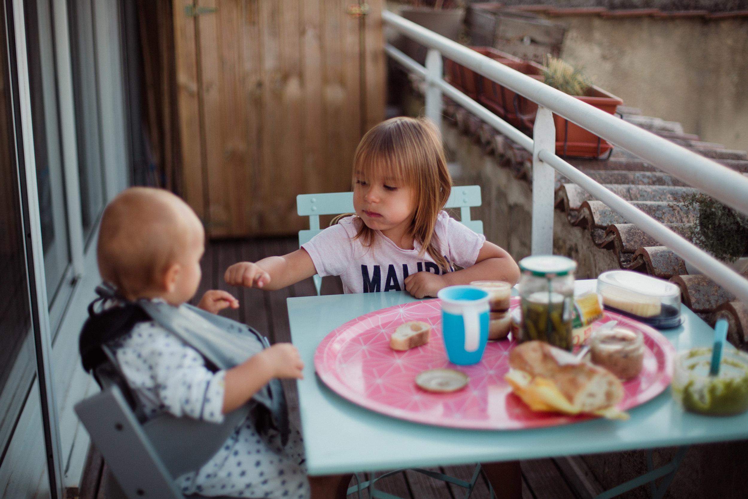 reportage-famille-toute-la-journee-quotidien-photographe-pauline-maroussiap-bordeaux