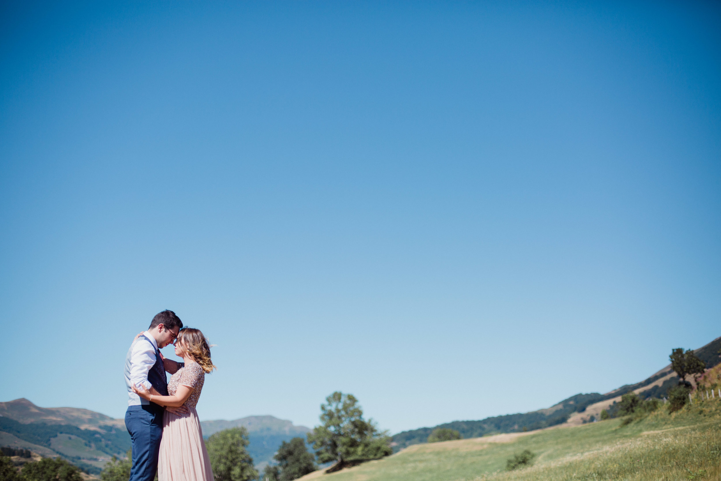seance-photo-couple-seance-engagement-fiancailles-save-the-date-montagne-cantal-auvergne-photographe-paulinemaroussiap-bordeaux-dordogne