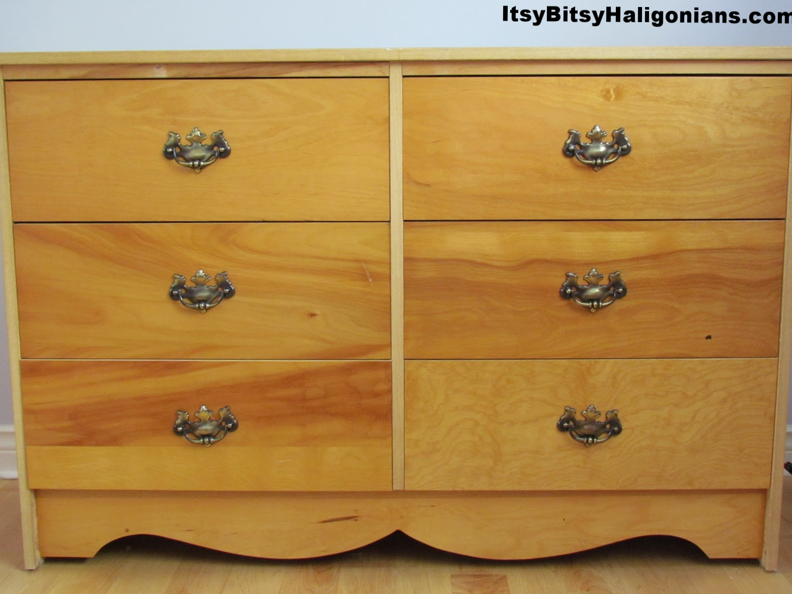 The original 1970s style dresser