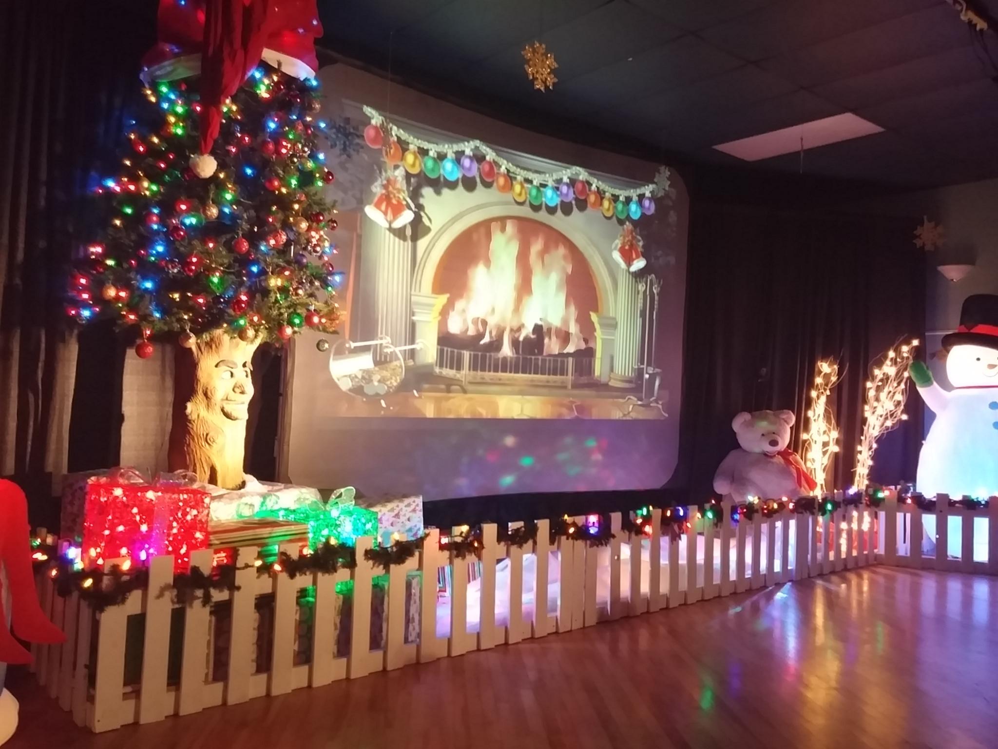 Tinsel the Talking Christmas Tree.png