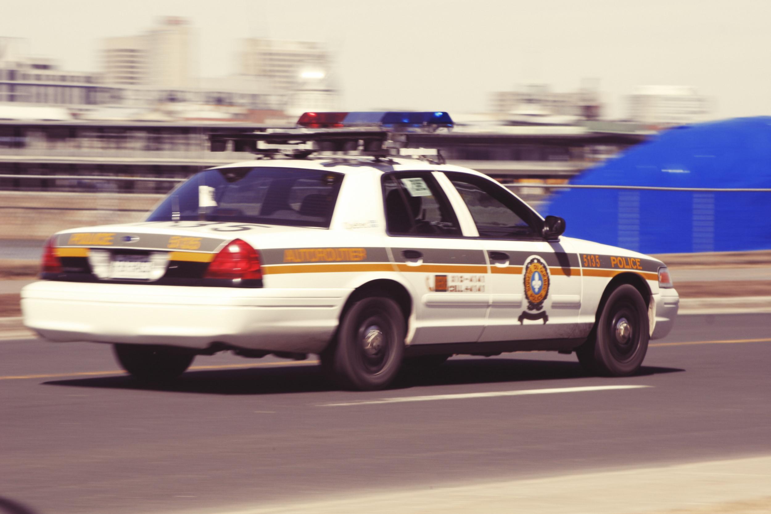 Life-of-Pix-free-stock-photo-car-cops.jpg