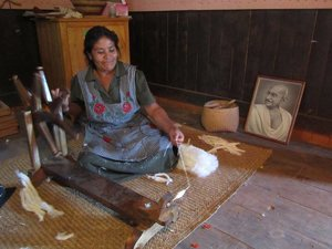 hand spinning artisan.jpg