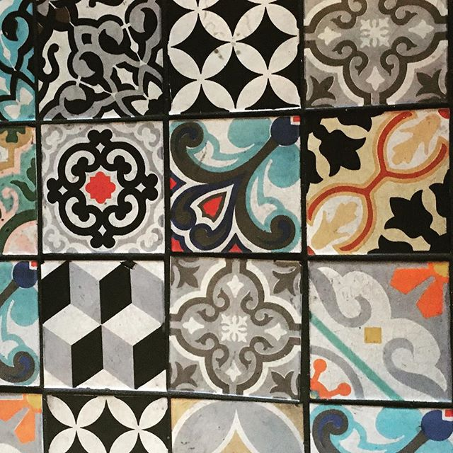 I LOVE Granada tiles. They may seem like a new to the scene product, they are not and have been popular since the 19th century, especially in Latin American countries. They are not painted, but carefully poured into molds. They are eco-friendly, made up of white and gray cements, marble dust, sand, and dyes. They are hydraulically pressed rather than fired. You end up with an extraordinarily beautiful, long-lived tile. #granadatiles#cementtiles#outdoorrooms#outdoorliving#patios#landscapedesign#morrocanstyle