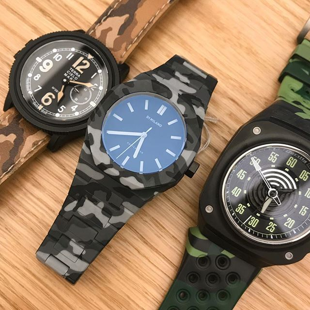 Loving the camouflage straps on these watches. @baselworldofficial #watchgang #d1milano #terracielomare #gorillawatch #watch #watchporn #mensfashion #affordablewatches