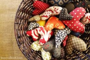 thanksgiving-activity-hearts-in-basket1.jpg