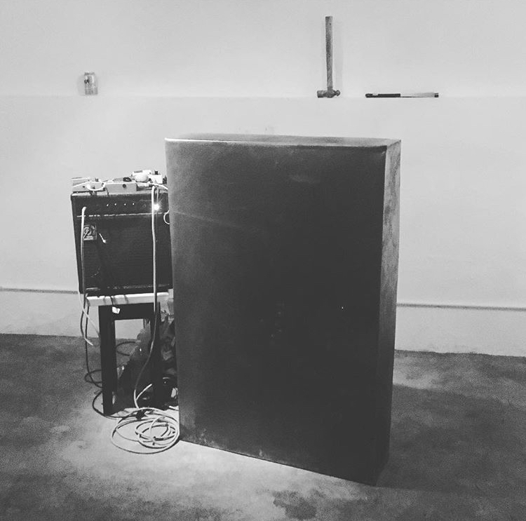 Box ready for the performance of  @keefwinter  in  @galeriabreve   #steellovers  #steelperformance   #estadosolido  #sculpture   #steelart   #2017