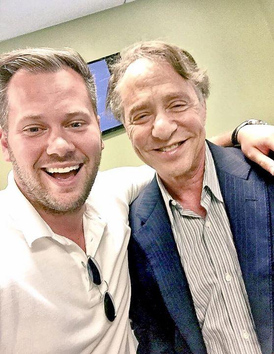 July_21__2016_at_0636PM_-_Micah_Gantman_-_Ray_Kurzweil_selfie__The__singularity_is_near..jpg