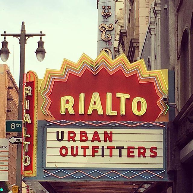 #neonsigns #signage #black #dtla #vintage #vintageneon #typography #typeface #sign #urbanoutfitters