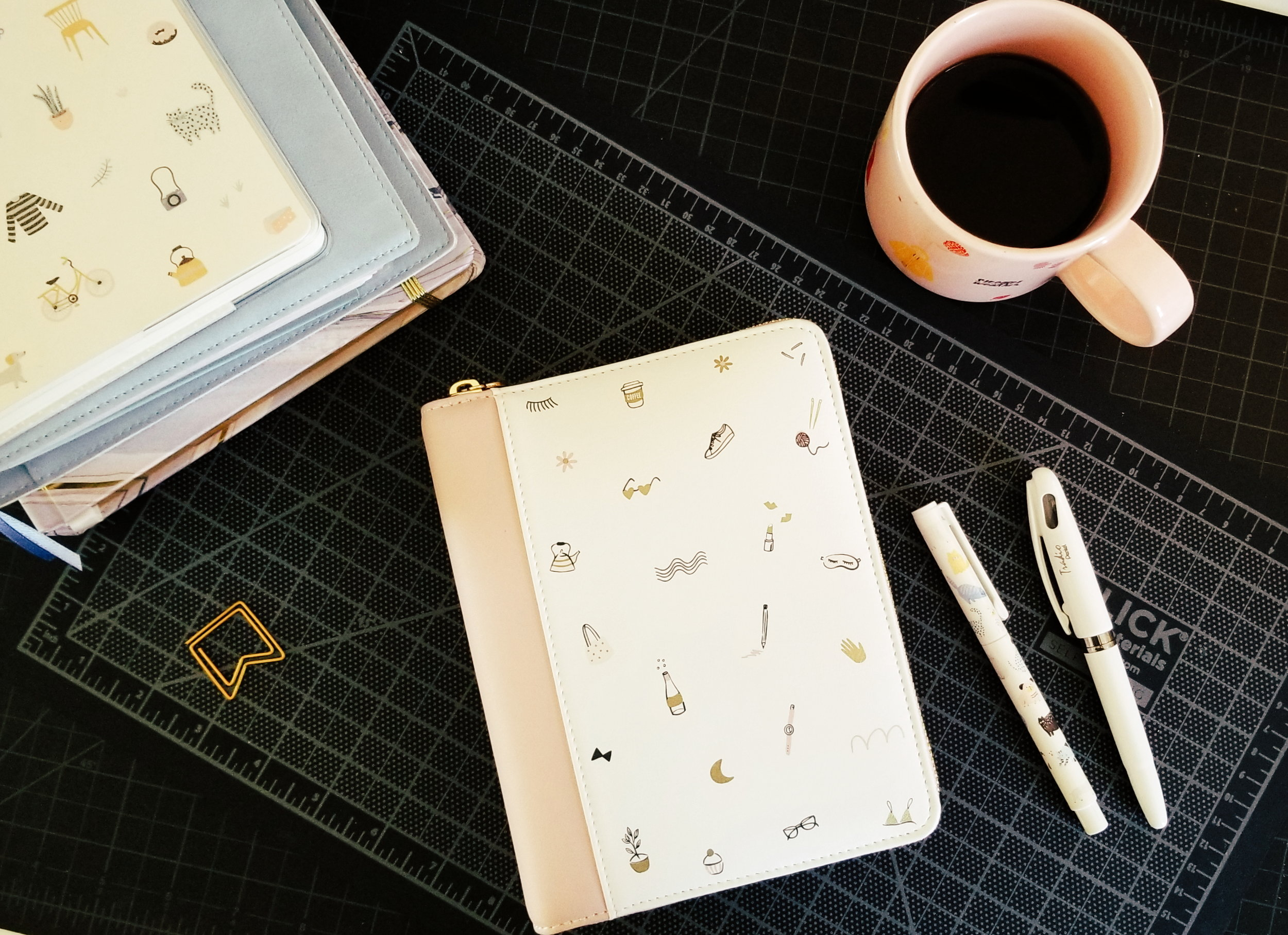 Everyday Carry Planner - A great compact little design perfect for on-the-go planning.