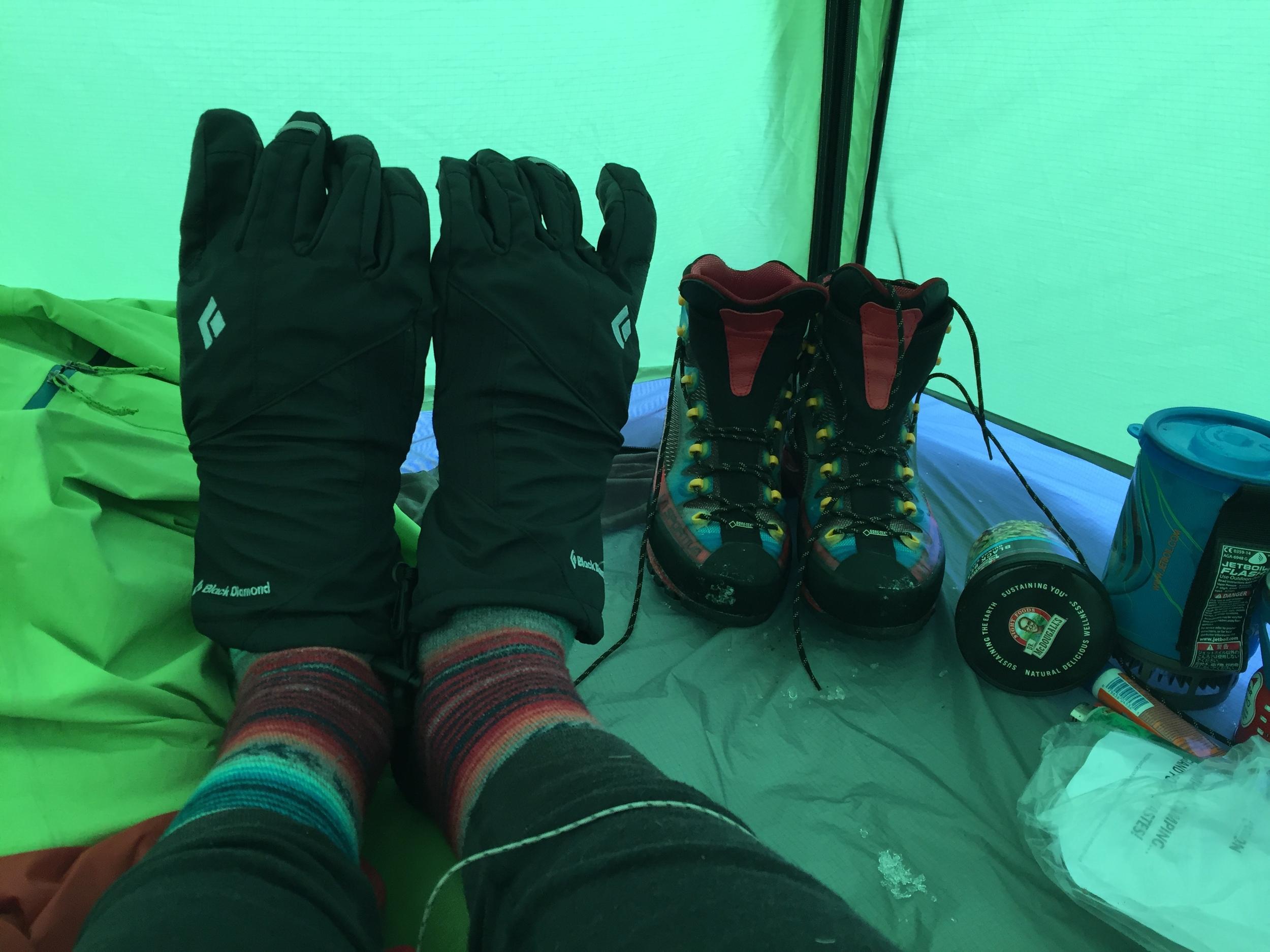 coldfeet in tent on shasta