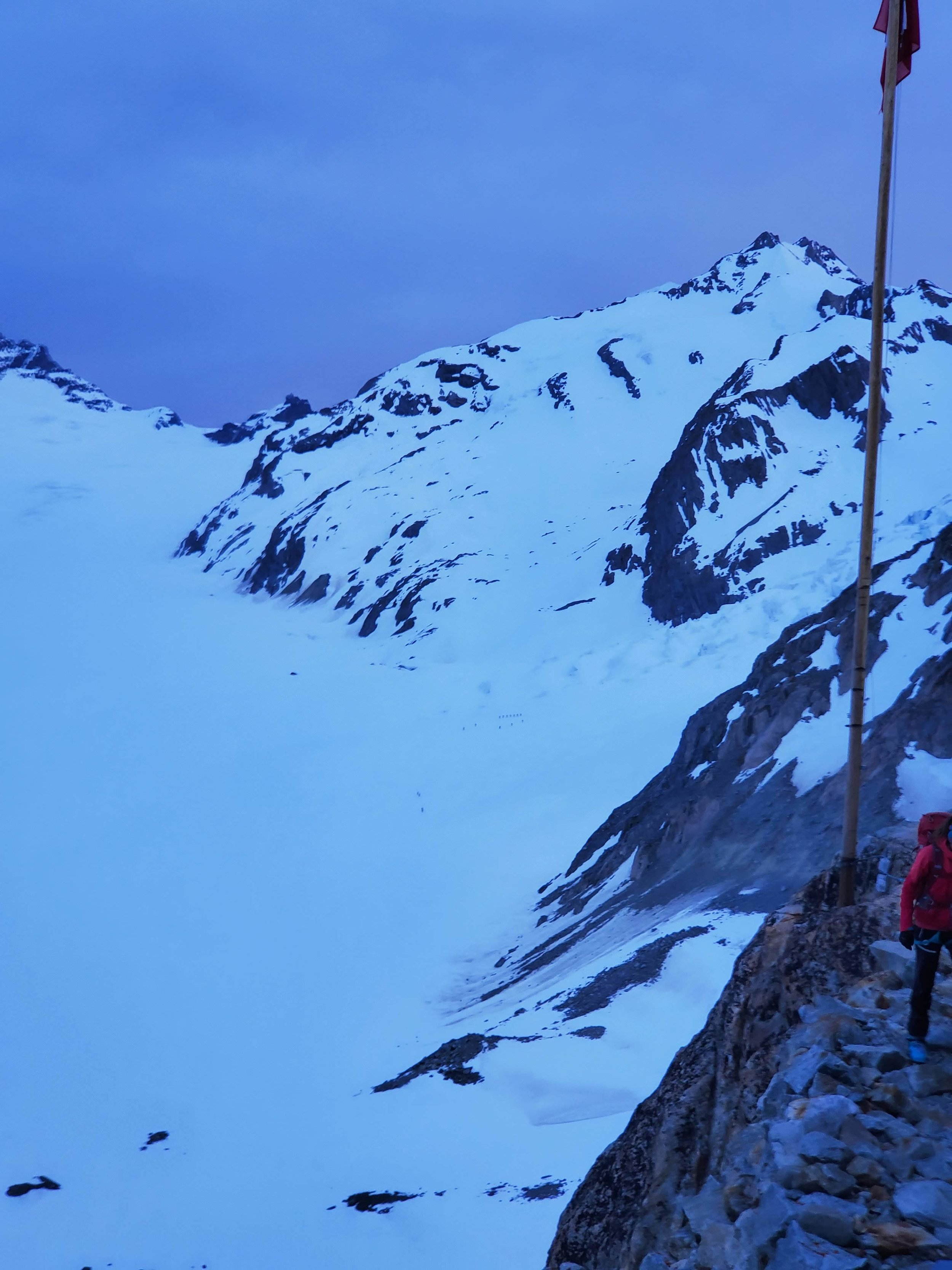 Morning from the hut. You can see the dots of groups who got much earlier starts than us heading up the icefall.