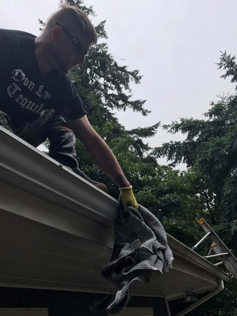 Gutter-Cleaning-Ballard-WA.jpg