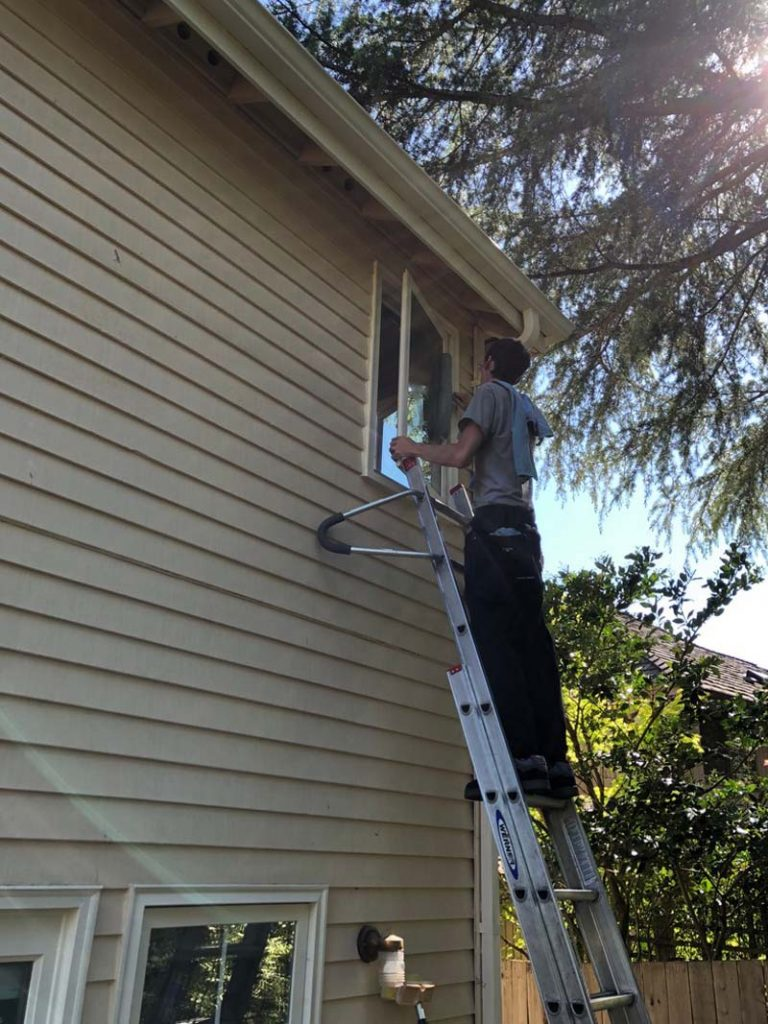 Window-Cleaning-Clyde-Hill-WA-768x1024.jpg