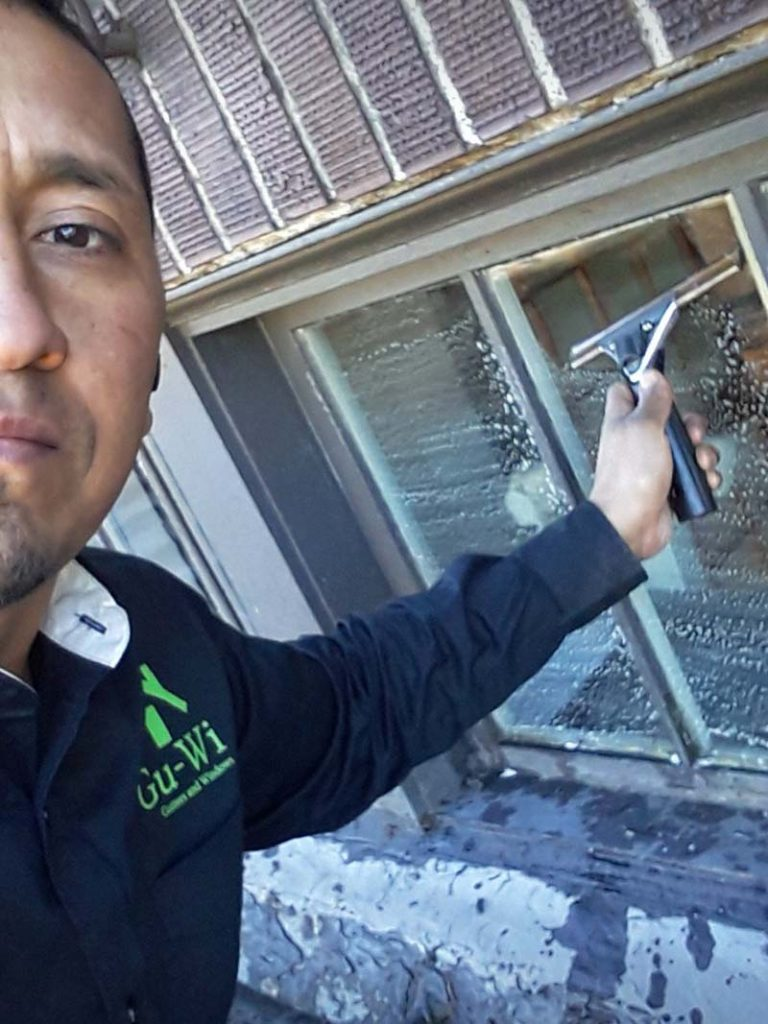 Window-Cleaning-Lynnwood-WA-768x1024.jpg